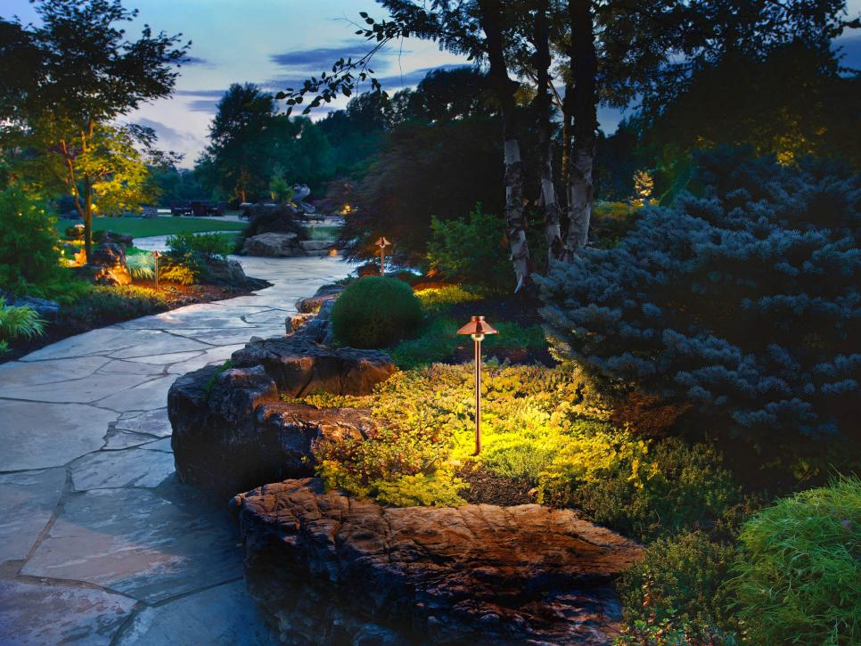 ایده های زیبای نورپردازی فضای سبز
