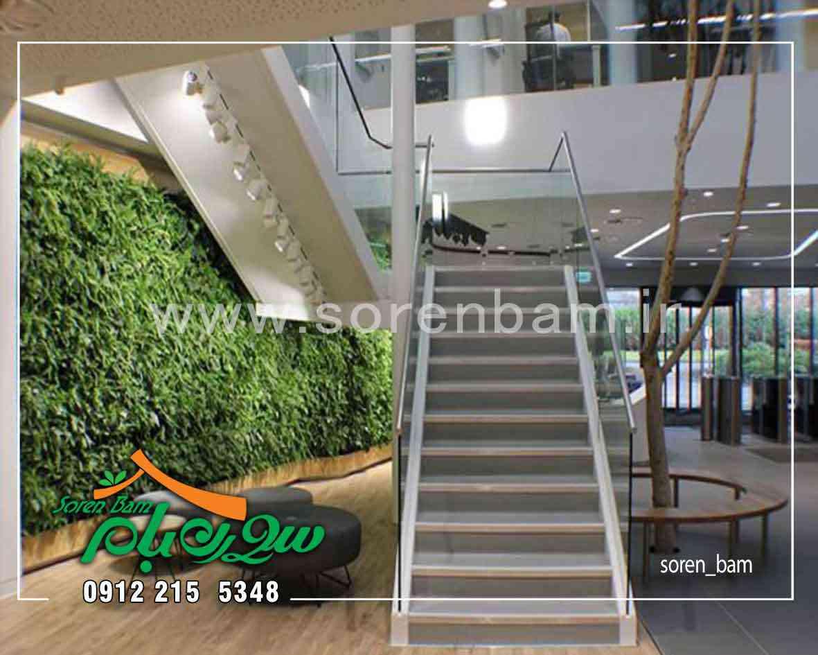 دیوار سبز در فضای داخلی مرکز خرید